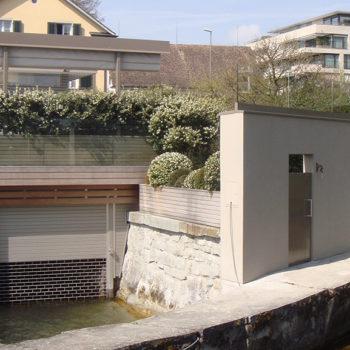 GG Bootshaus mit Tür und Tor