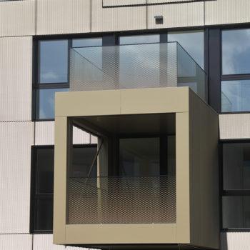 Ganzglasgeländer Balkon mit Siebdruck