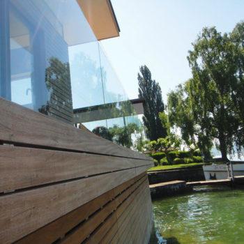 Ganzglasgeländer Bootshaus