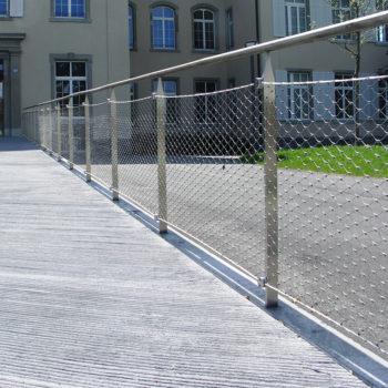Geländer mit Webnet